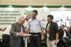 Assinatura do termo de cooperação é acompanhada pelo governador Camilo Santana e o secretário Henrique Javi